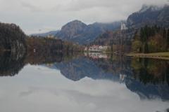 Blick-über-Alpsee-auf-die-Schlösser