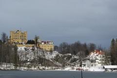 Blick-über-den-Alpsee-auf-Schloss-Hohenschwangau