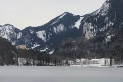 Blick-über-den-Alpsee-auf-die-Schlösser
